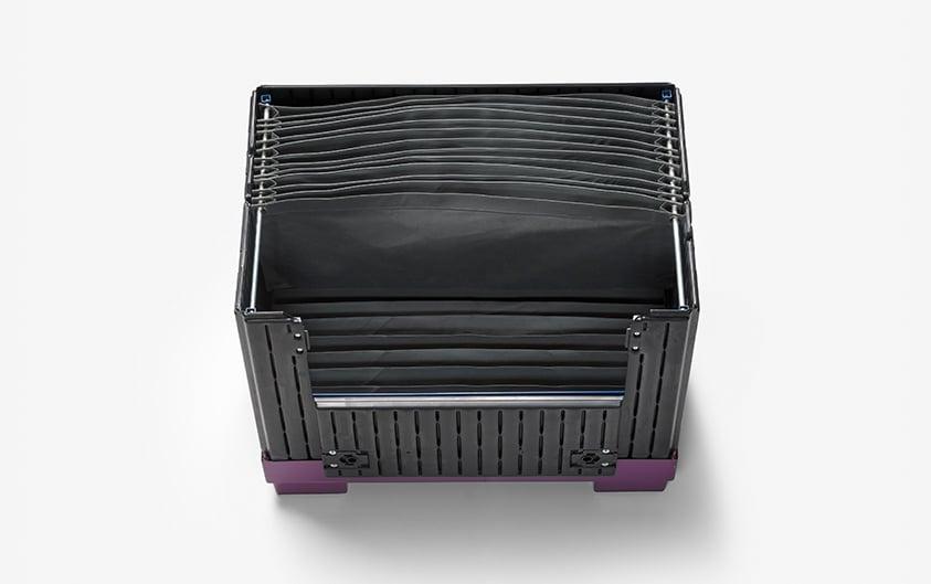 Transportbehaelter für empfindliche Bauteile - Kunststoffbehälter mit textilen Unterteilungen von Lipsticks